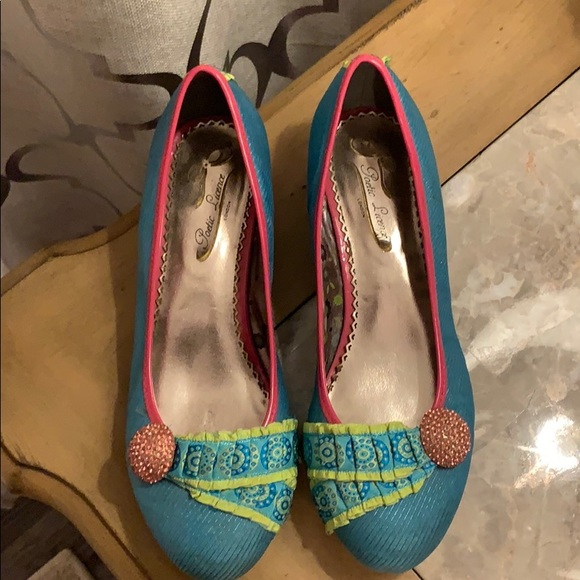 Poetic License funky shoes sz 6